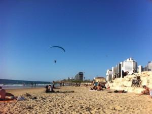 Ruhige Stimmung am Strand von Tel Aviv. Foto: Marc Berthold